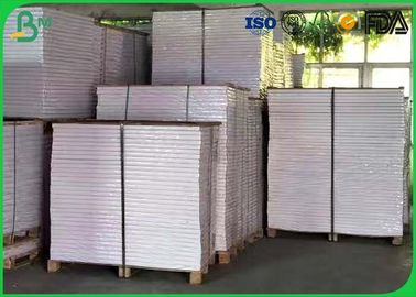 China 60 gsm Uncoated Woodfree Paper GSM 700 * 1000mm With Double Sided Uncoated supplier
