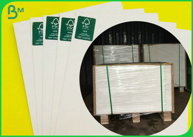 China 300GSM Glossy One Side 900MM X 640MM SBS Board For Making Post Card supplier